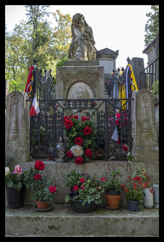 Chopin tomb 1370377 BLOG
