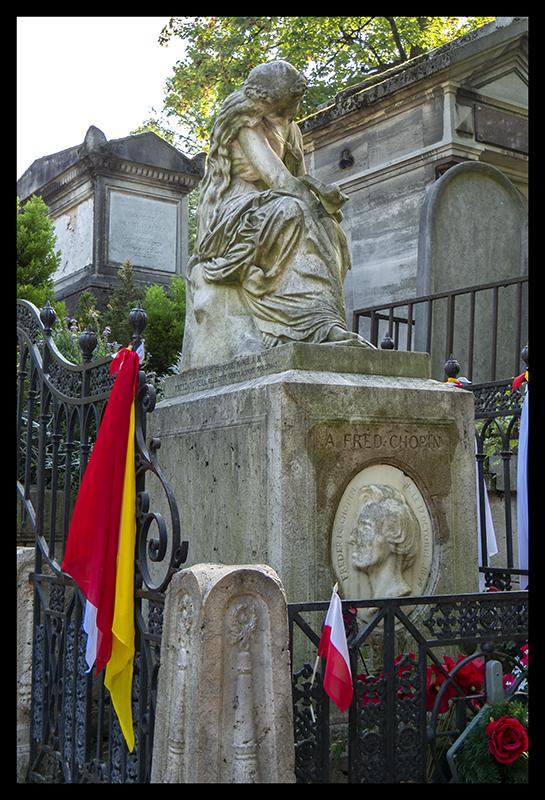 Chopin tomb 1370389 BLOG