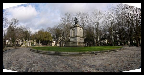 Grounds Père Lachaise rotunda 1040686 to 1040688 BLOG